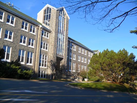Mount Saint Vincent University, 166 Bedford Highway, Halifax, NS B3M 2J6, Canada