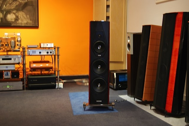 mono and stereo high end audio magazine sonus faber amati futura review preview. Black Bedroom Furniture Sets. Home Design Ideas