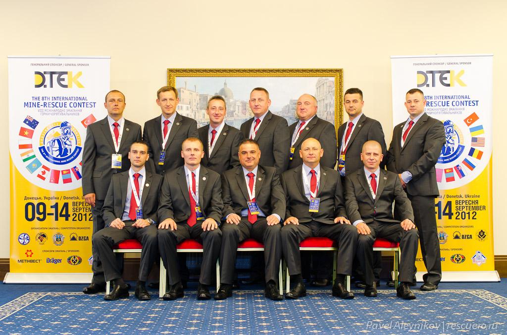 Команда горноспасателей из Канады