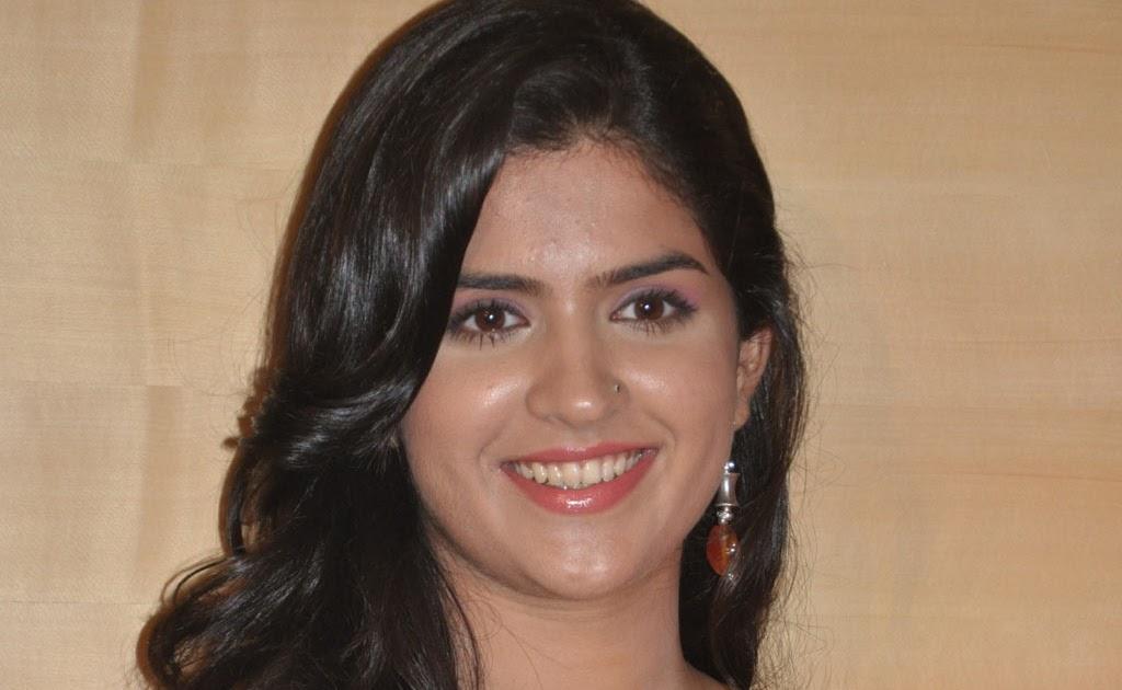 Rajapattai Movie Press Meet Actress Pic - HD Latest Tamil ...