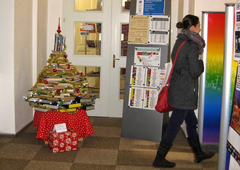 Prezenčné knihy sa požičiavajú od 12. decembra. Foto: Annamária Ondrejková