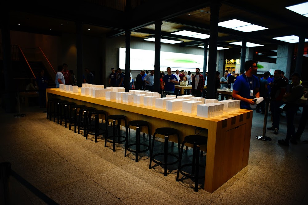 iPhone 6 plus launch Madrid store