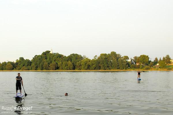Stand up paddle - chodzenie po wodzie