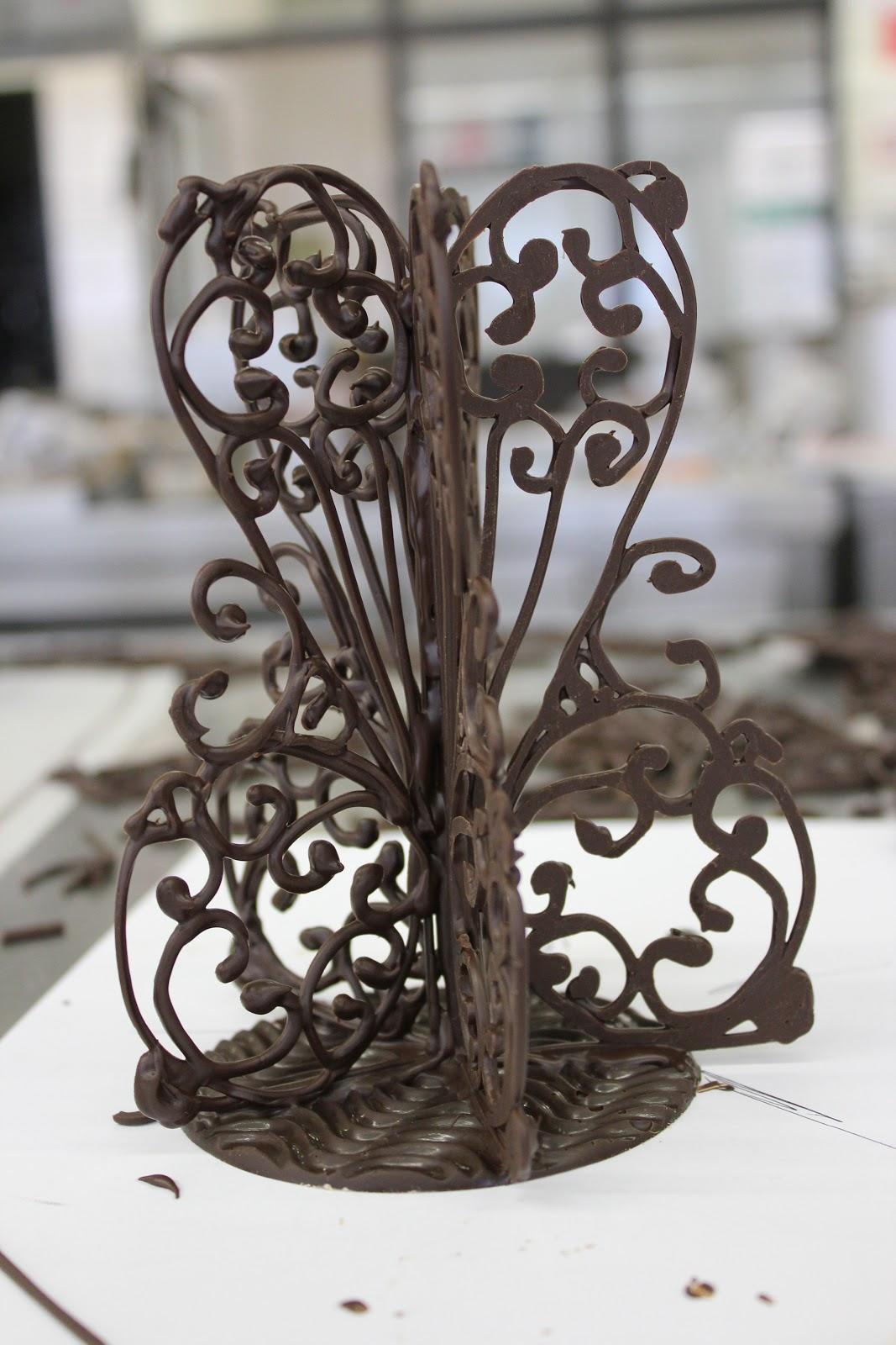Fleur du poirier pastry workshop 2 chocolate decor for Decoration en chocolat