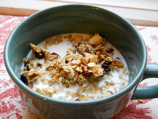 Healthy Homemade Granola Recipe photo | NeighborFood