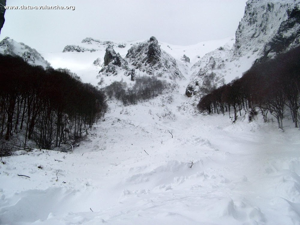 Avalanche Massif Central, secteur Puy de Sancy, Val d'Enfer - Photo 1