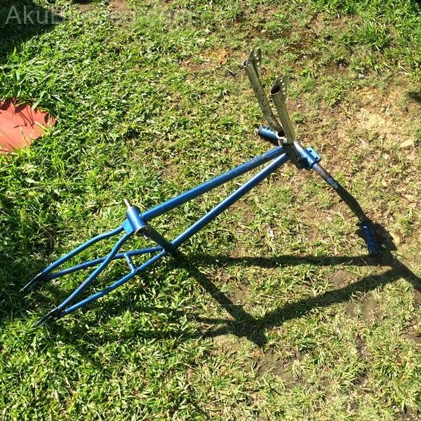basikal bmx setelah digosok dengan kertas pasir