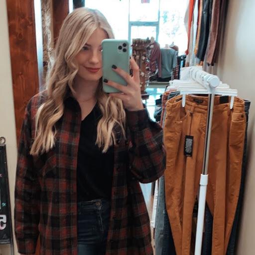 Hannah Samples Photo 7