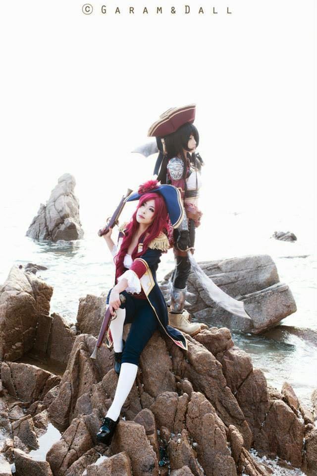 "Miyuko khoe trọn bộ cosplay Katarina ""cướp biển"" - Ảnh 2"
