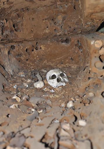 dsc0632 Bí ẩn sau những hang động ma quái chở xác người chết