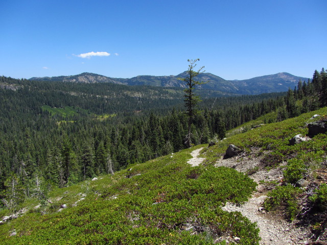 the view over Warner Valley and the trail up to Drake Lake