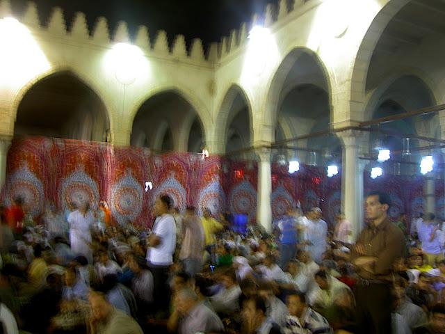 صور رمضان فى القاهرة بين الحسين ومسجد عمر  (( خاص لأمواج )) PICT2739