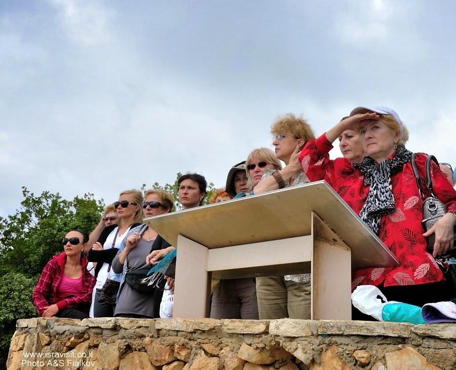 Обзорная площадка на горе Мирон. Пешеходный маршрут по горе Мирон. Швиль писга Мирон. Экскурсия по Верхней Галилее. Гид в Галилее Светлана Фиалкова.
