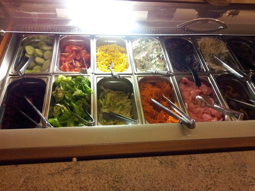 Salatbuffet im Luginsland