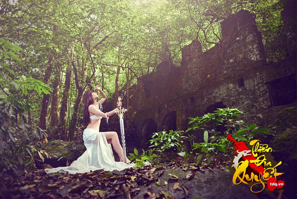 Hồng Quế cởi áo chụp ảnh cosplay Thiên Địa Quyết - Ảnh 15