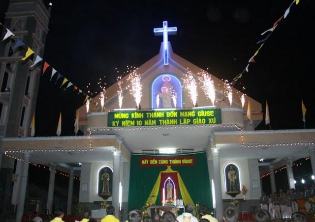 Giáo xứ Hạnh Trí mừng Lễ Bổn mạng và 10 năm thành lập Giáo xứ
