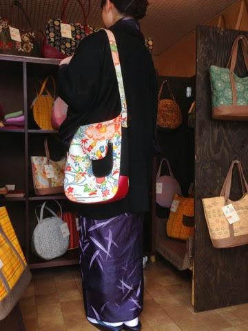 http://www.zizz-shop.com/kanseihin2/a_fit_itiran_01.htm