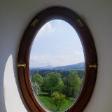 Cuadros en las ventanas - La Suiza bohemia