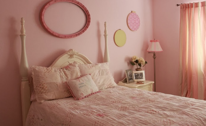 shabby chic look of bedroom of teenage girls see other shabby chic