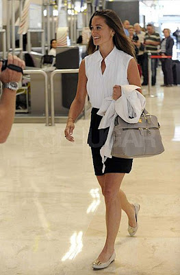 Back In Mid May I Saw This Picture Of Pippa Middleton And Knew That Must Have Understated Grey Handbag It Is By An English Company Called Modalu