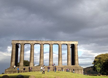 Auf dem Calton Hill, Edinburgh: National Monument of Scotland