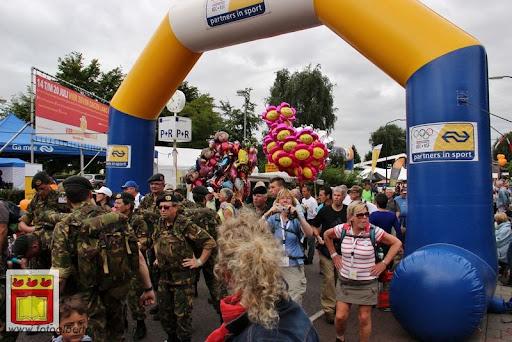 Vierdaagse van Nijmegen door Cuijk 20-07-2012 (8).JPG