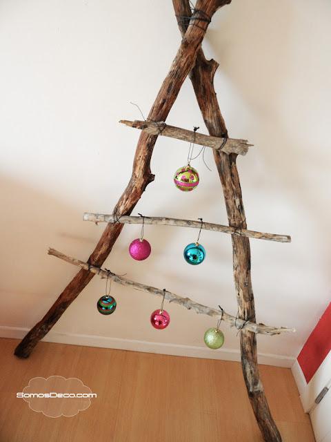 Un rbol original de navidad somosdeco blog de decoraci n for Como hacer un arbol de navidad original