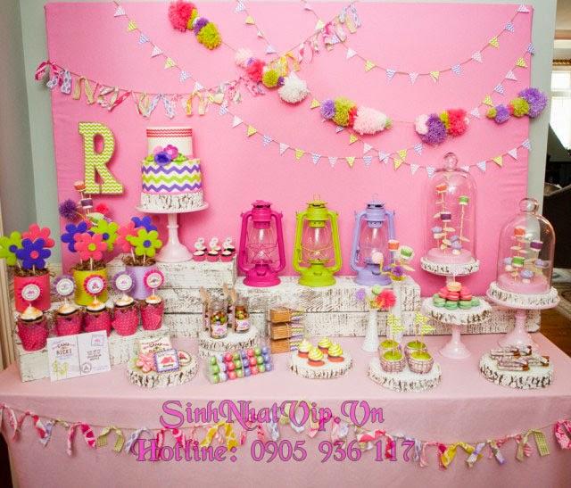 bộ trang trí sinh nhật với chủ đề màu hồng