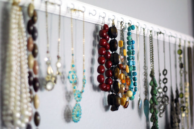 DIY necklace storage