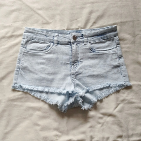 Sammi Jackson - H&M Denim Shorts