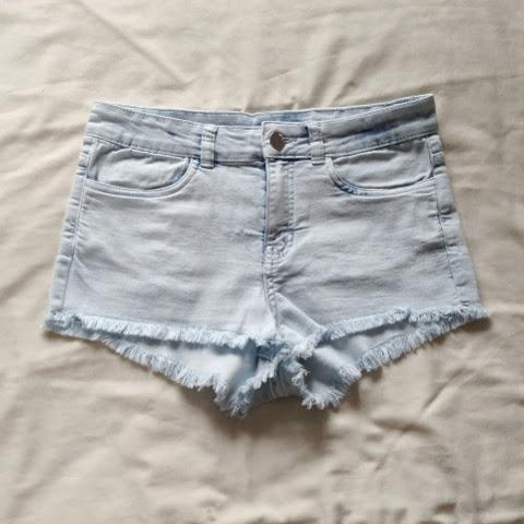 Sammi Jackson - H&M Denim Shorts