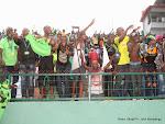Des supporteurs de l'As.V Club de la RDC célébrant la victoire contre Zamālek de l'Egypte le 18/05/2014 au stade Tata Raphael à Kinshasa, dans le cadre de la ligue des champions 2014 de la CAF, score final: 2-1. Radio Okapi/Ph. John Bompengo