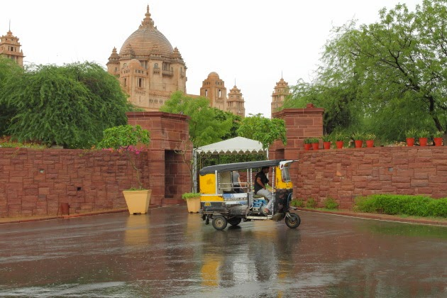 Tuk Tuk in front of Ummaid Bhavan Palace, Jodhpur