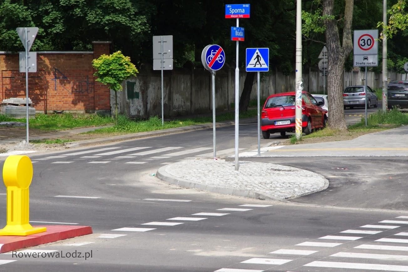 Skrzyżowanie z ul. Bracką