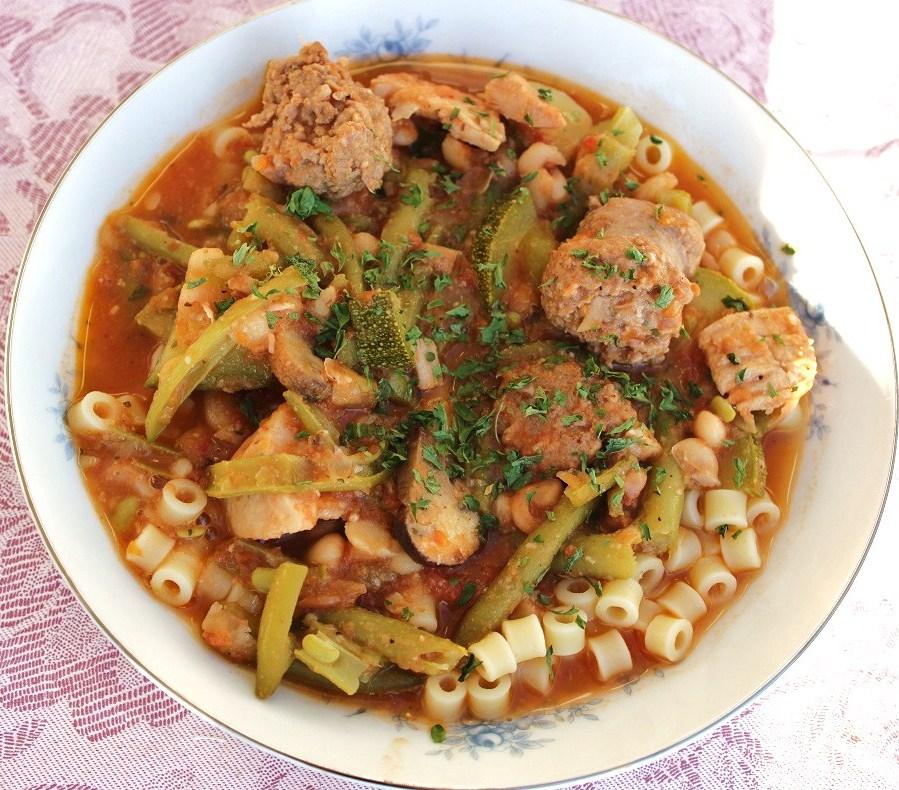 What's Cookin' Italian Style Cuisine: Tuscan Bean Italian Pasta Stew