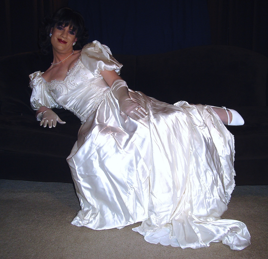 Wedding Gowns Cleveland Ohio: Leslie's Rose Garden: Samples