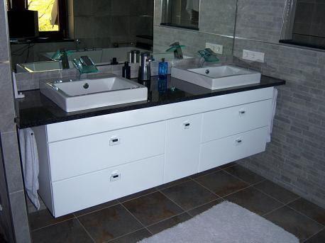 tischplatte arbeitsplatte naturstein marmor granit gr n. Black Bedroom Furniture Sets. Home Design Ideas