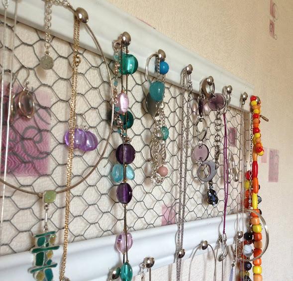 """Atelier """"Porte bijoux""""..."""