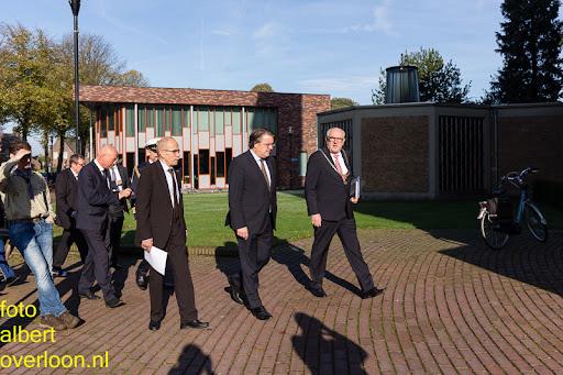 herdenkingsdienst  en een stille tocht naar het Engelse kerkhof 12-10-2014 (2).jpg