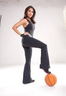 Sexy fit babe Lara Dutta