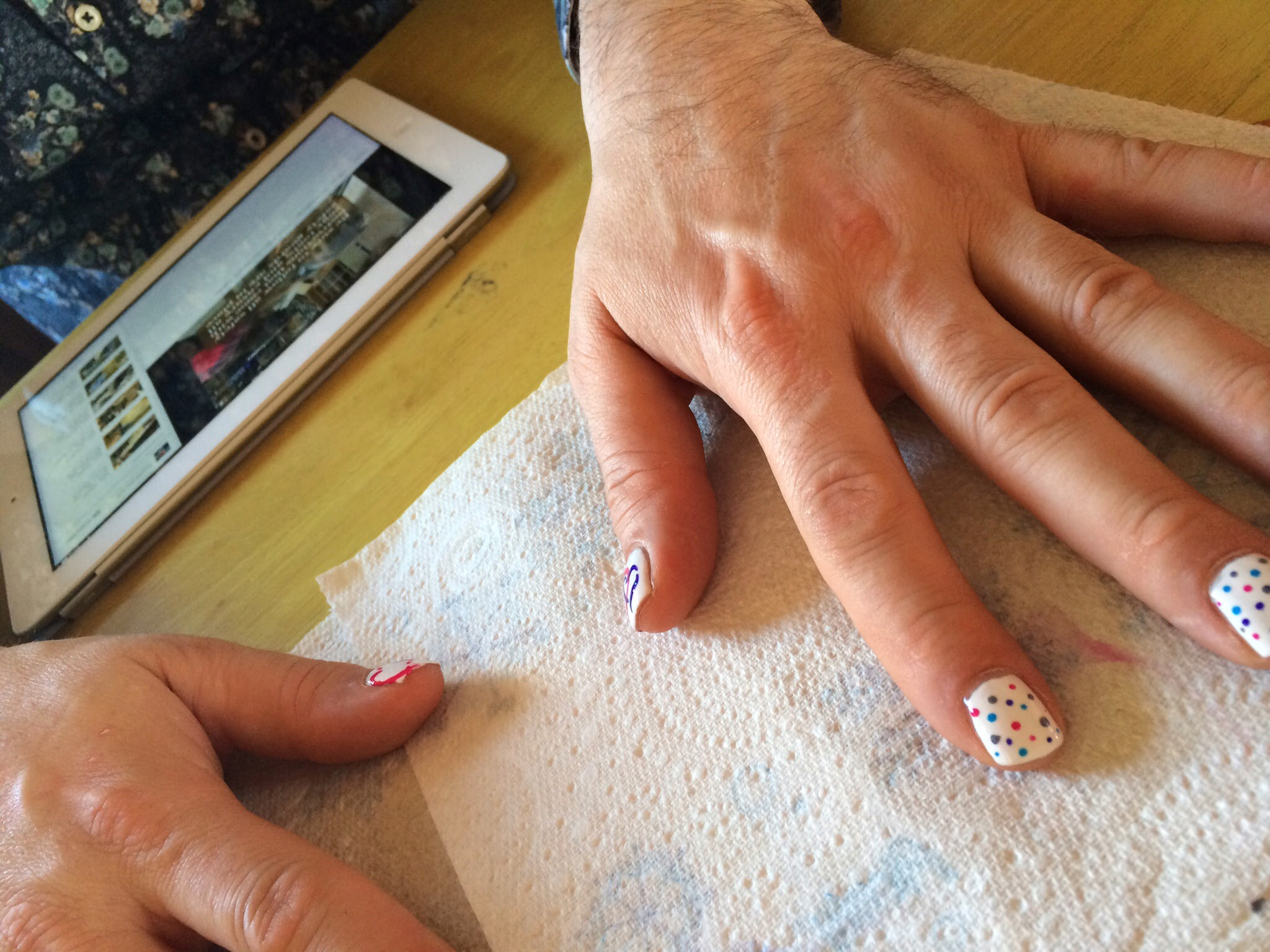 MD nail ART: Cancer Research MANi