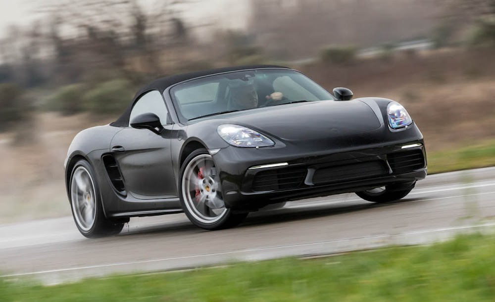2017 Porsche 718 Boxster / Boxster S Car Review Specs