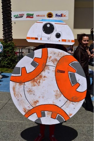 costume carboard of bb-8 robot