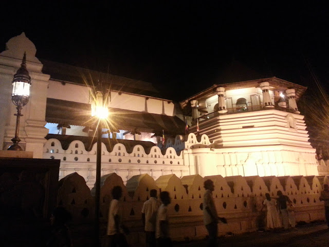 The-Temple-of-the-Tooth-1