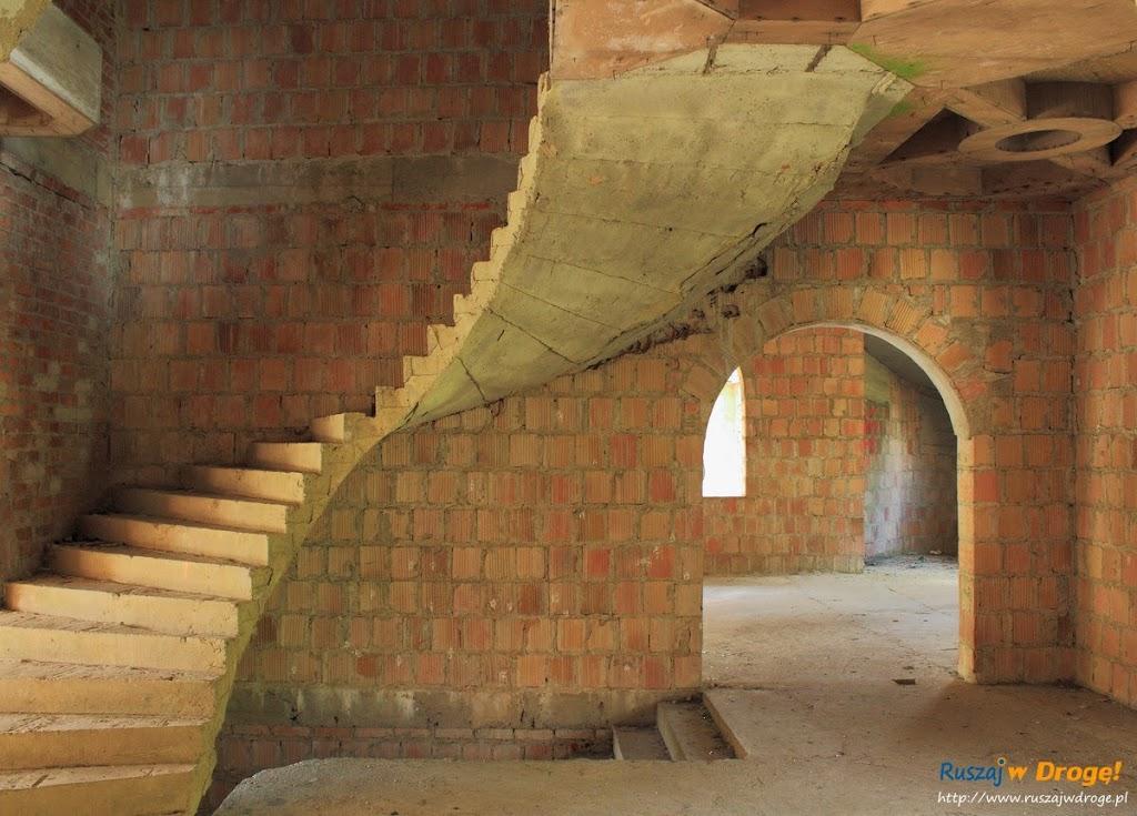 Zamek w Łapalicach - niedokończone monstrum