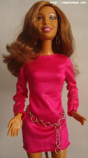 Diseños OOAK DIY by Taque-Taque para Barbie Fashionista: vestido fucsia, cinturón y pendientos