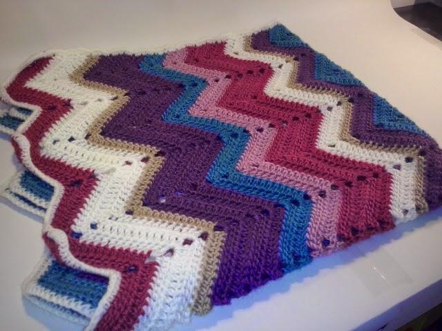 El Gnomo De Ganchillo: Manta zigzag ganchillo / Blanket crochet zigzag