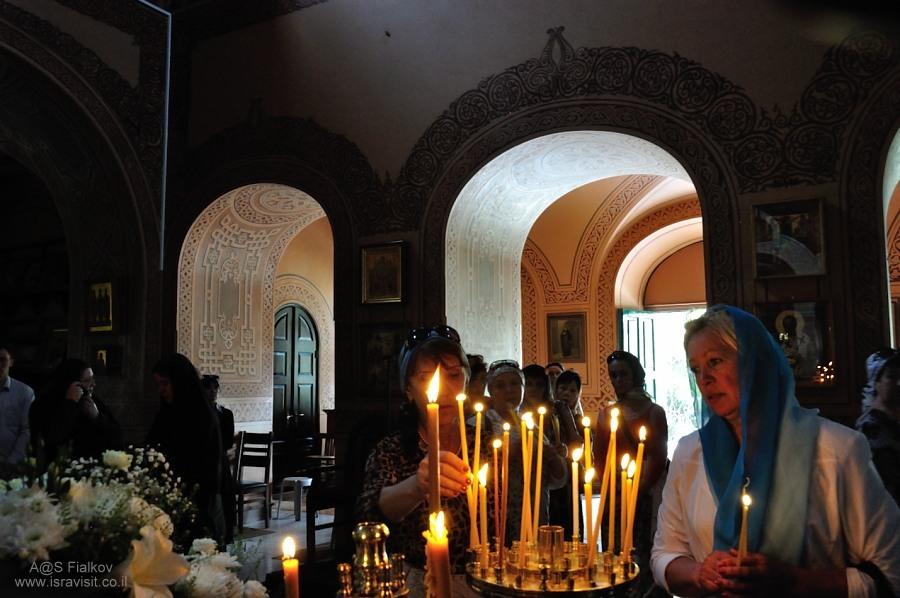 В Церкви или Храма Святой Марии Магдалины (Гефсимания) на Елеонской горе (Масли́чная гора). Экскурсия Иерусалим Христианский. Гид в Иерусалиме Светлана Фиалкова.