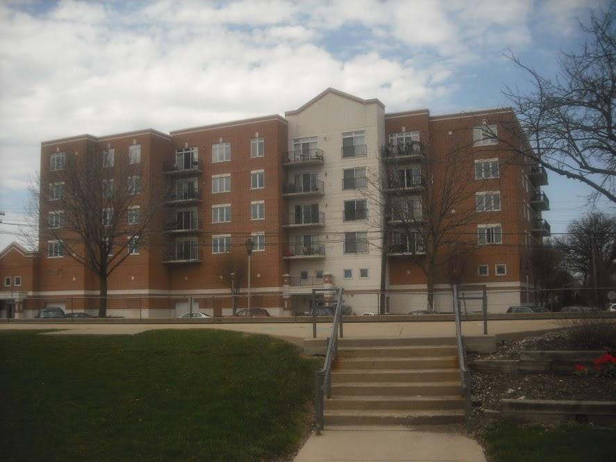 Brookfield Terrace Condominiums 8822 Brookfield Ave, Brookfield, IL