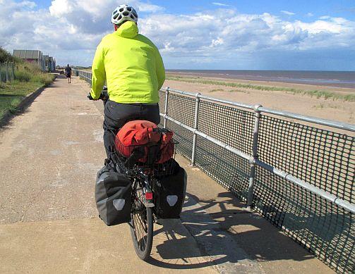 Auf der Strandpromenade von Sutton on Sea